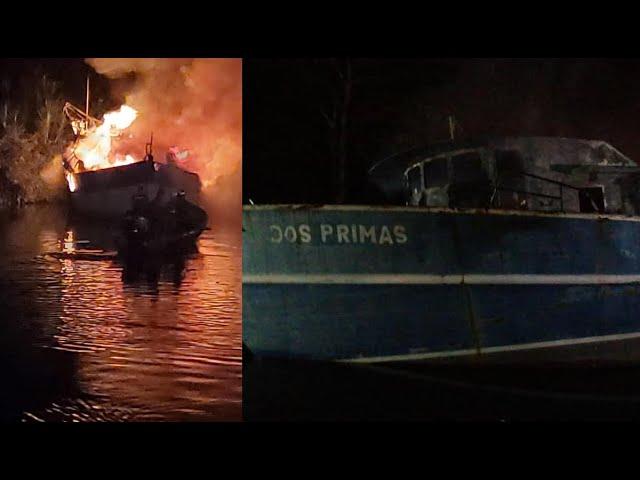 VÍDEOS| Dos embarcaciones quedan destruidas tras incendiarse en La Ceiba