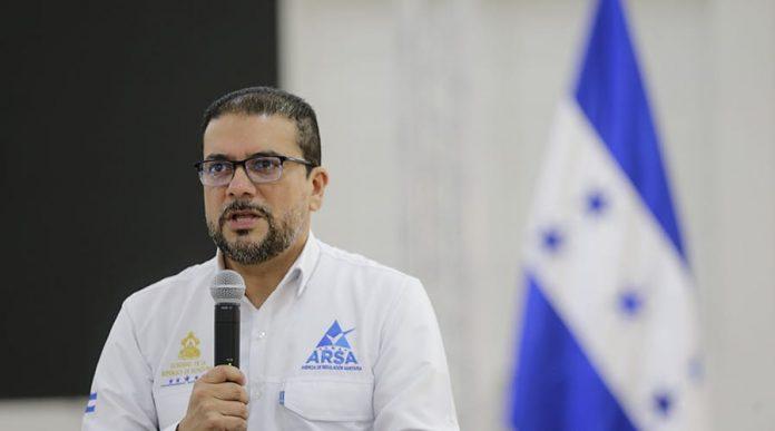 Francis Contreras, comisionado presidente de la Agencia Reguladora Sanitaria (ARSA).