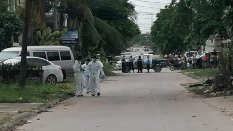 Bajan de un carro y matan a dos jóvenes en la colonia Montefresco, SPS