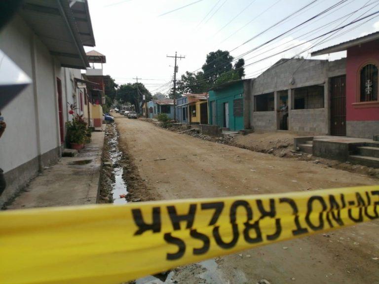 Hallan cuerpo embolsado en Lomas del Carmen, SPS; vecinos creyeron que era basura