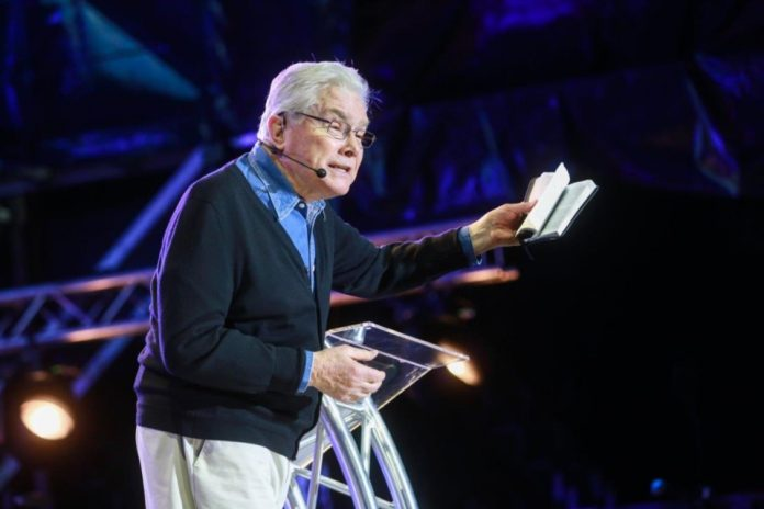 fallece evangelista Luis Palau