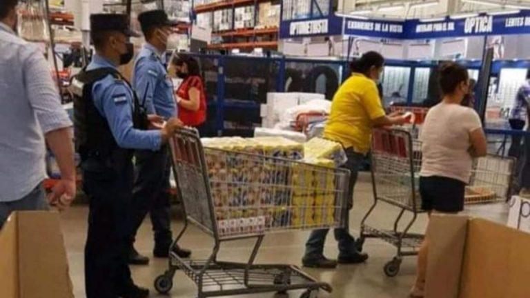 Policía habla sobre miembros con carreta llena de cervezas en supermercado; ¿qué dijo?