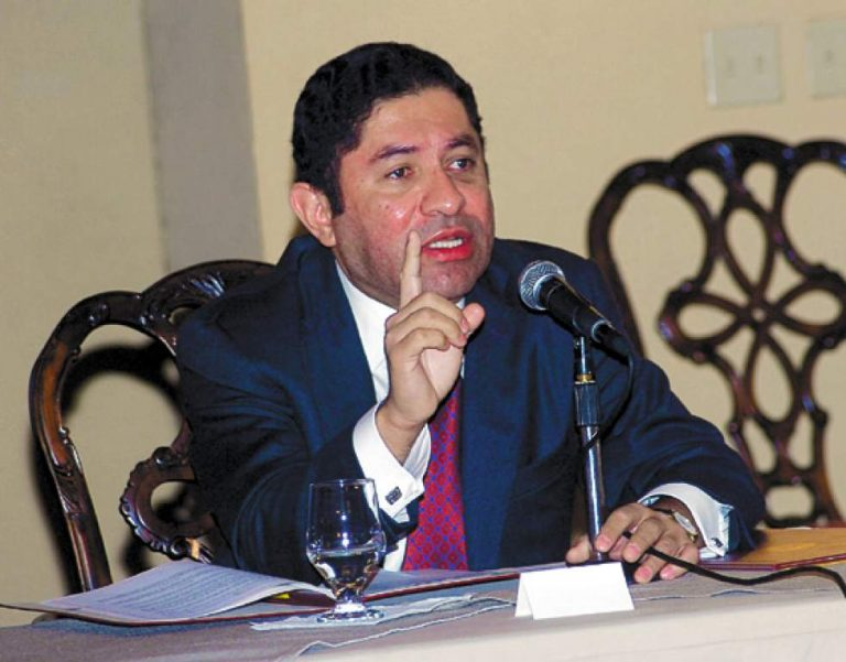 Excanciller: Pese a las adversidades, el CNE sacó adelante las elecciones primarias