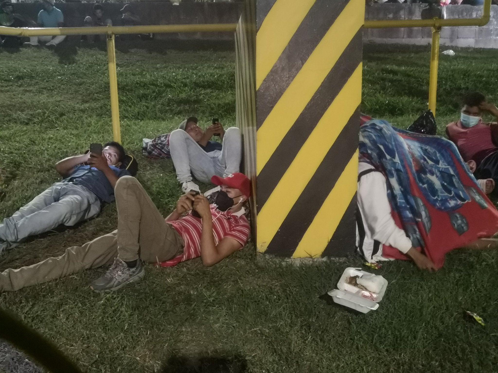relatos hondureños caravana de migrantes