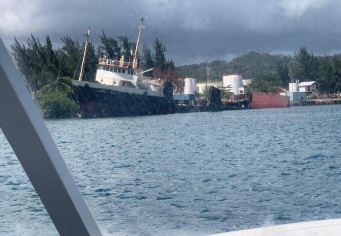 embarcación OABI Roatán