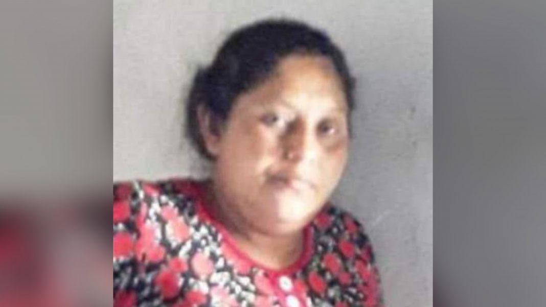 mujer mató sus gemelos recién nacidos