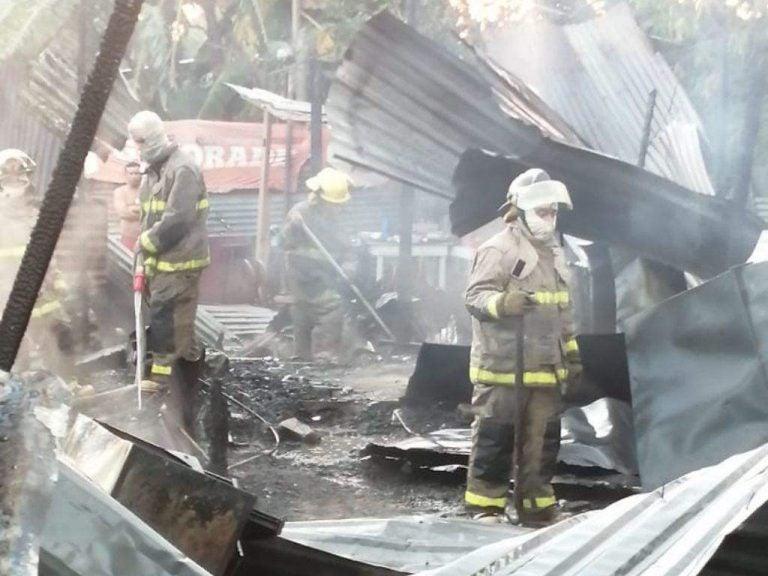 SPS: por salvar de incendio a su padre, fallece joven de 17 años