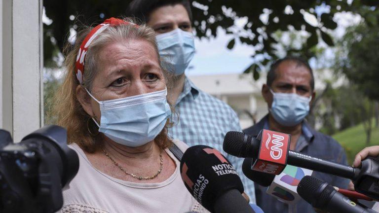 """""""Siento indignación"""": madre de salvadoreña que """"murió por policías"""" pide justicia"""