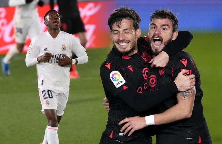 Vinicius desde la banca rescata del desastre al Real Madrid