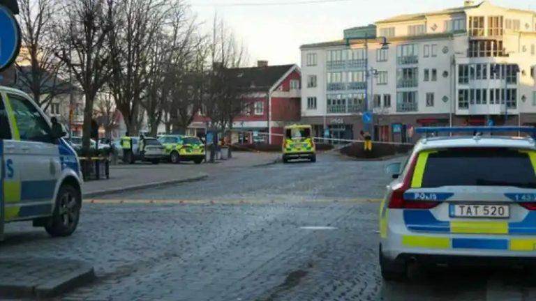 ¿Ataque terrorista? Hombre apuñala a ocho personas en plena calle en Suecia