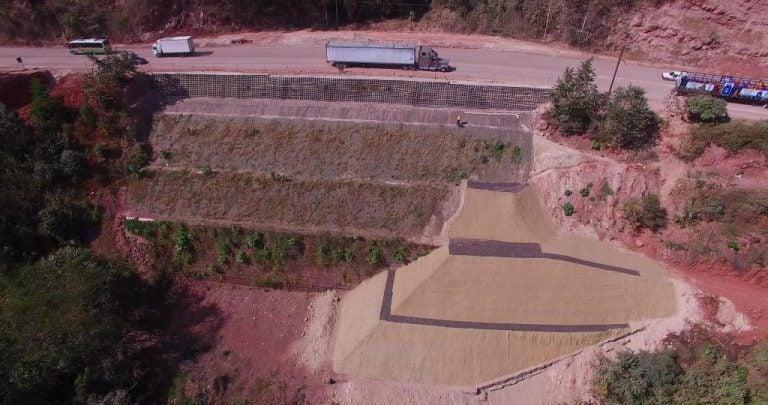 Japón y Honduras inauguran proyecto para reparar carretera a Oriente