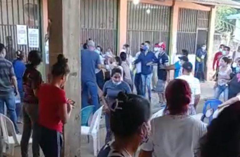 Choloma: presuntos nacionalistas protagonizan pelea en centro de votación