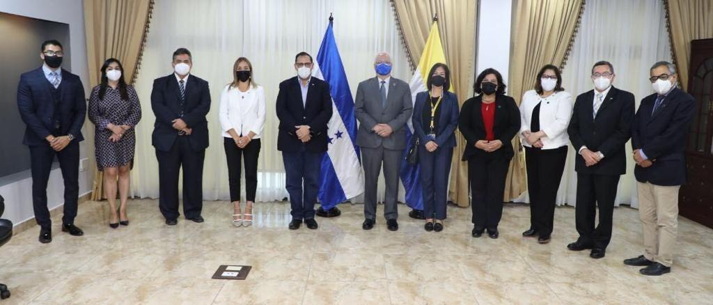 El convenio fue firmado entre la UNAH y Cancillería.