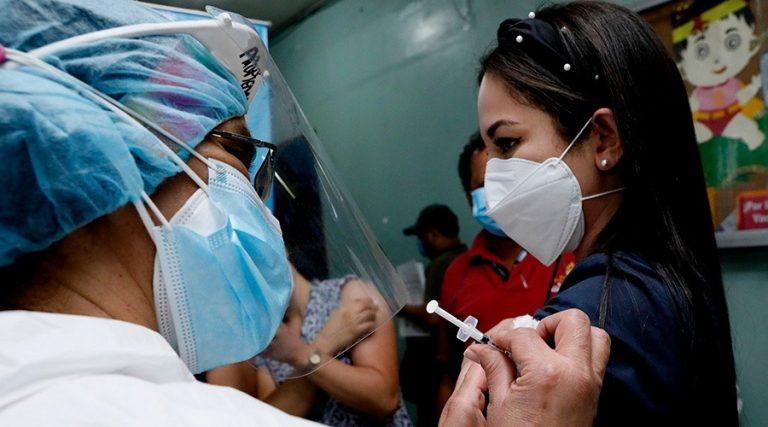 Honduras: 90 % del personal de salud ya está vacunado, según el PAI