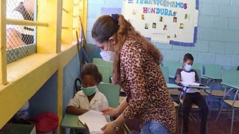 Educación   En estos lugares se hará pilotaje de clases semipresenciales