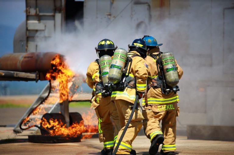 EEUU capacita a bomberos hondureños en técnicas para combatir incendios
