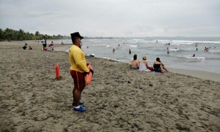 Cuerpo de Bomberos anuncia recomendaciones a turistas que viajarán en Semana Santa