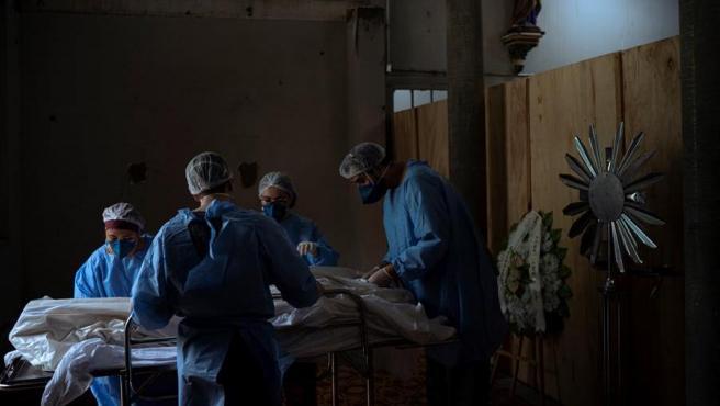 Cifras del coronavirus| Detectan COVID en las encías de pacientes fallecidos