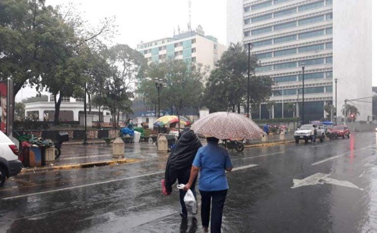 CLIMA DE ESTA TARDE: anuncian lluvias sobre el norte del país