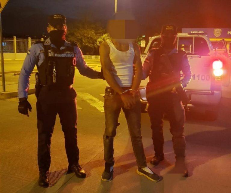 Comayagua: arrestan a hombre que intentó matar a su esposa a machetazos