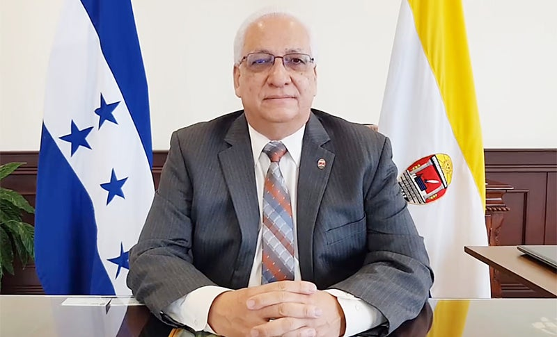 Rector Francisco Herrera.