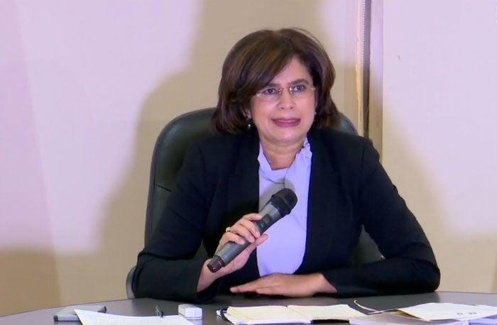 Rixi Moncada dice que se apegará a la Constitución y votaría «contra» sus hermanos