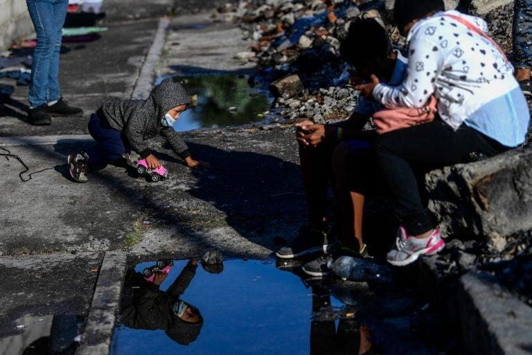 """""""Desaparecen día y noche"""": Migrantes están """"varados"""" en peligrosa ciudad mexicana"""