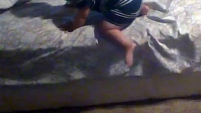 Bebé cae cama SPS
