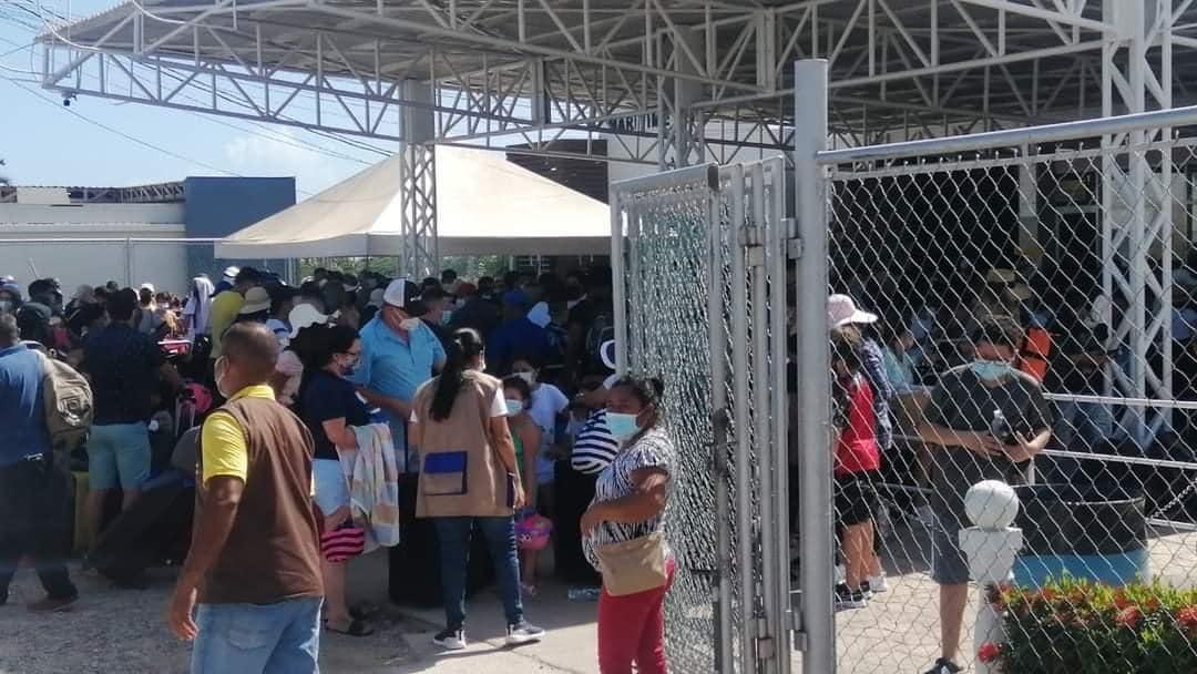 muelle de cabotaje La Ceiba viajeros