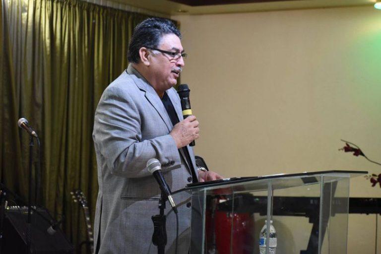 """""""Nos deja un gran legado"""": fallece el pastor Marvin Muñoz de La Entrada, Copán"""