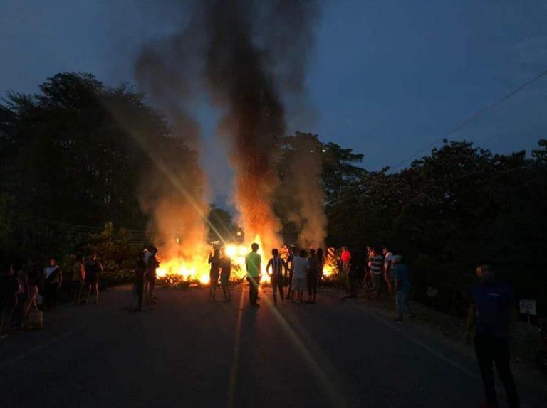 Pobladores de San Luis, Olanchito, protestan contra EEH; cuatro días sin energía
