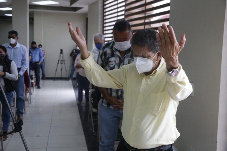 Pastores reconocen vínculo de «interés económico» con Gobierno: «Pedimos perdón»