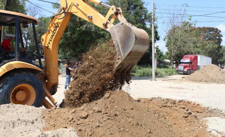 Municipalidad de SPS avanza con pavimentación en la trocha sur de la 27 calle