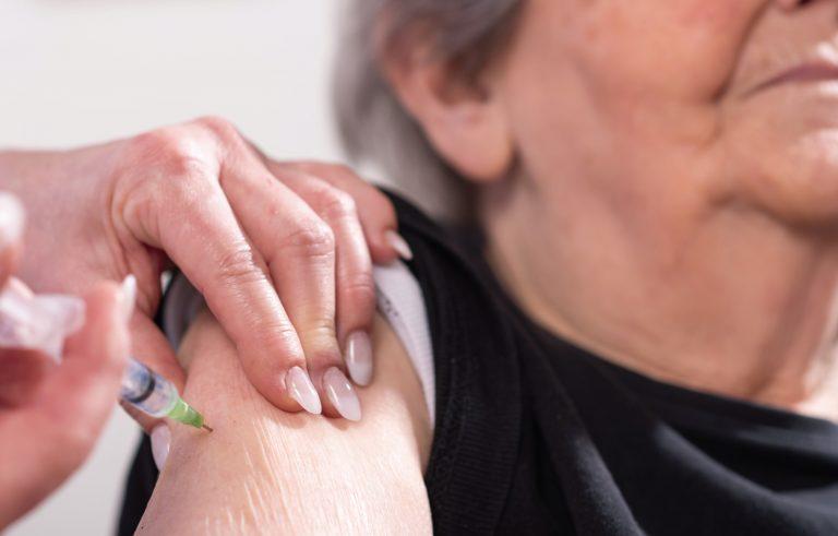 COVID-19| Estos son los requisitos para la vacunación de adultos mayores en SPS