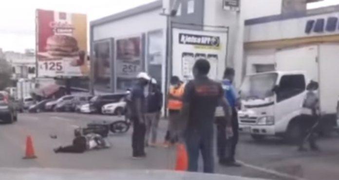 Motociclista accidenta ambulancia nunca apareció