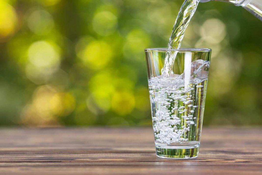 10 beneficios de tomar agua para el cuerpo