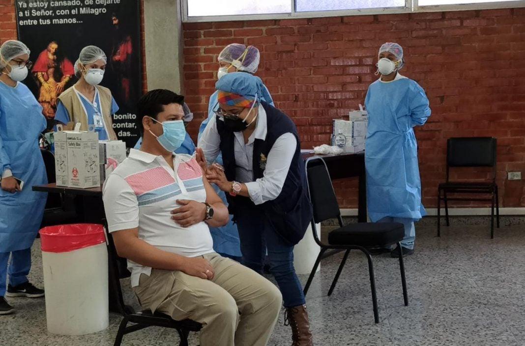 vacunación Sputnik-V contra el COVID-19 SPS