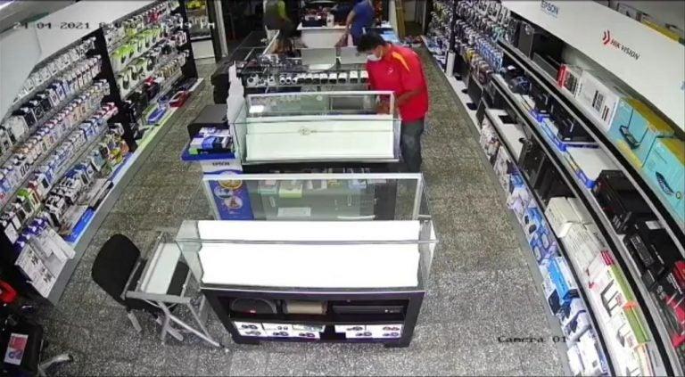 Estantes vacíos: saquean una tienda de celulares en Siguatepeque