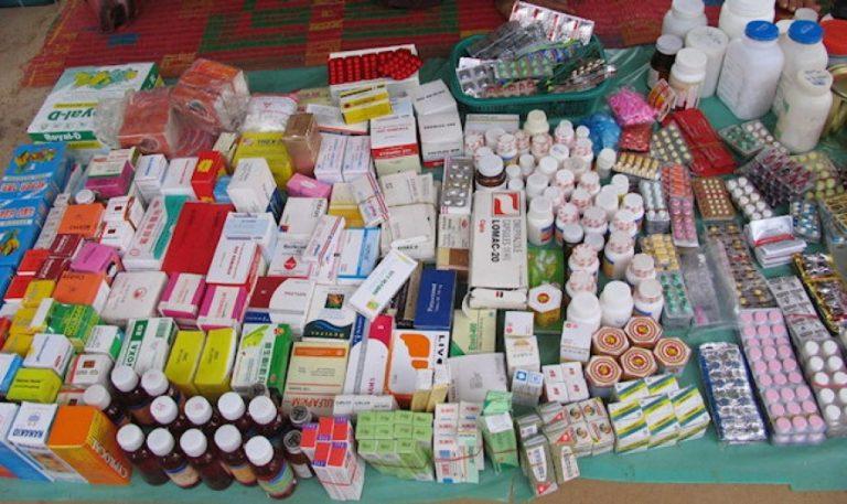 Pese a denuncias, gobierno asegura que hospitales tienen medicinas en un 87 %