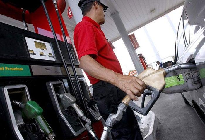 """Honduras: combustibles bajarán más centavitos; gasolina """"super"""", la excepción"""