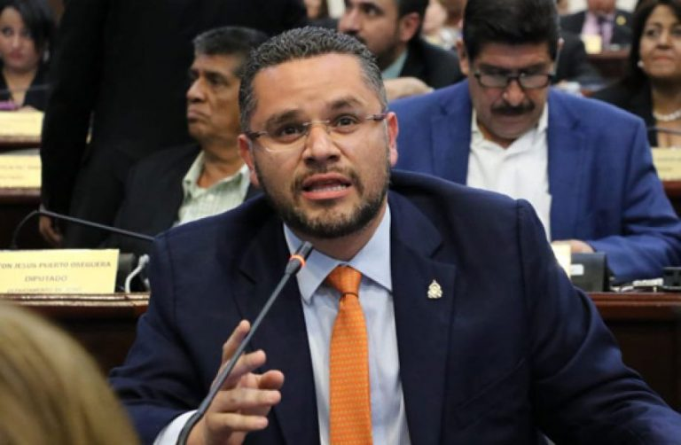 """Chávez: En el gabinete hay funcionarios """"pachorrudos"""" y hay que pasarles factura"""
