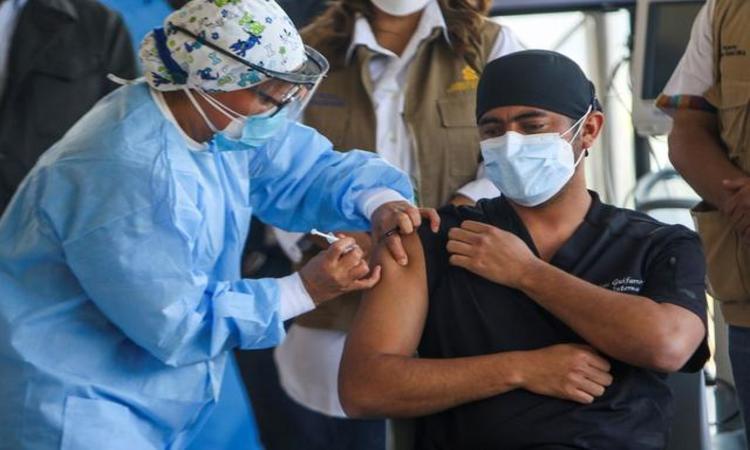 Forbes: Honduras es el país de CA que menos ha vacunado contra la COVID-19