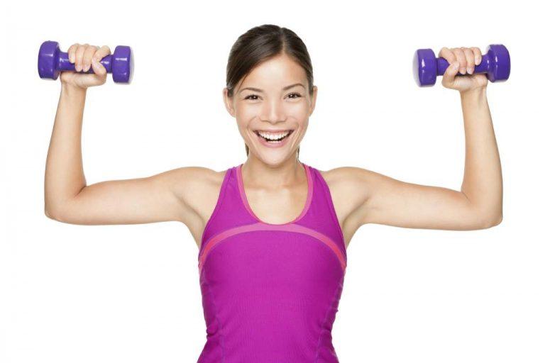 Rutinas de ejercicios fáciles para adelgazar y tonificar los brazos