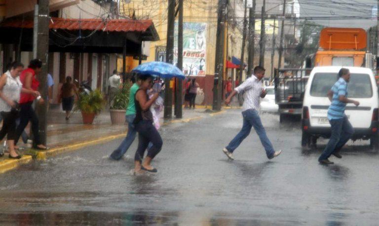 CLIMA DE ESTA TARDE: Lluvias de variada intensidad en la mayor parte del país