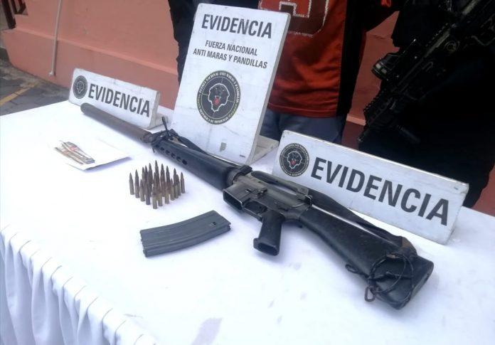 fusiles con silenciador Pandilla 18