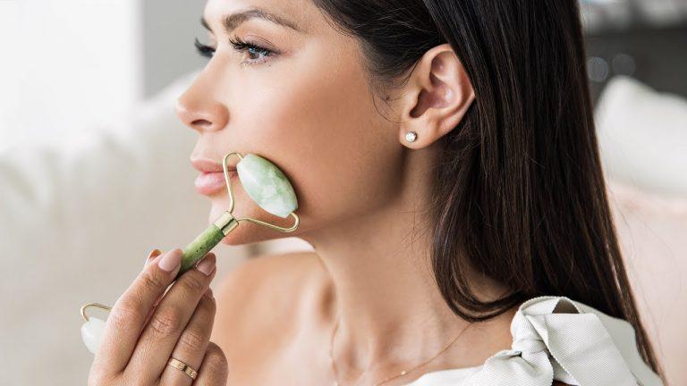 SALUD   Piedra de jade, útil para atenuar las arrugas y suavizar tu rostro
