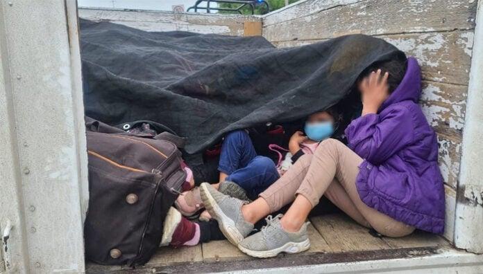 Migrantes hacinados Menores hondureños