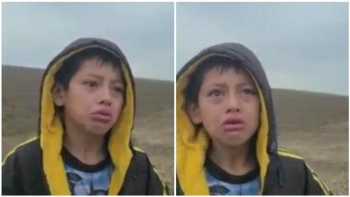 Niño lloraba frontera secuestrado con madre