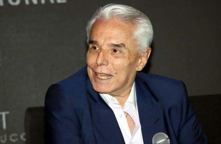 Enrique Guzmán es un cantante mexicano, nacido en Venezuela. En los años 1960 fue uno de los cantantes más populares de México.