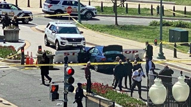 El vehículo se estrelló en la barrera de seguridad del Capitolio.
